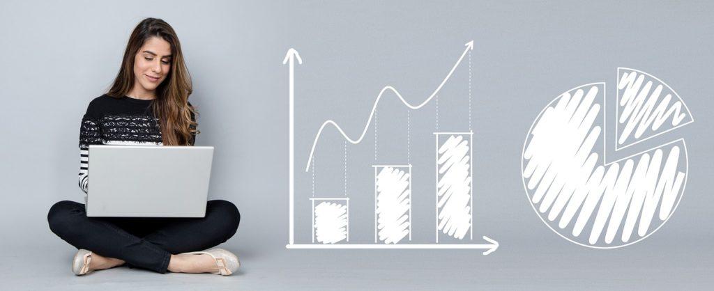 Femme cherchant un prêt personnel au meilleur taux
